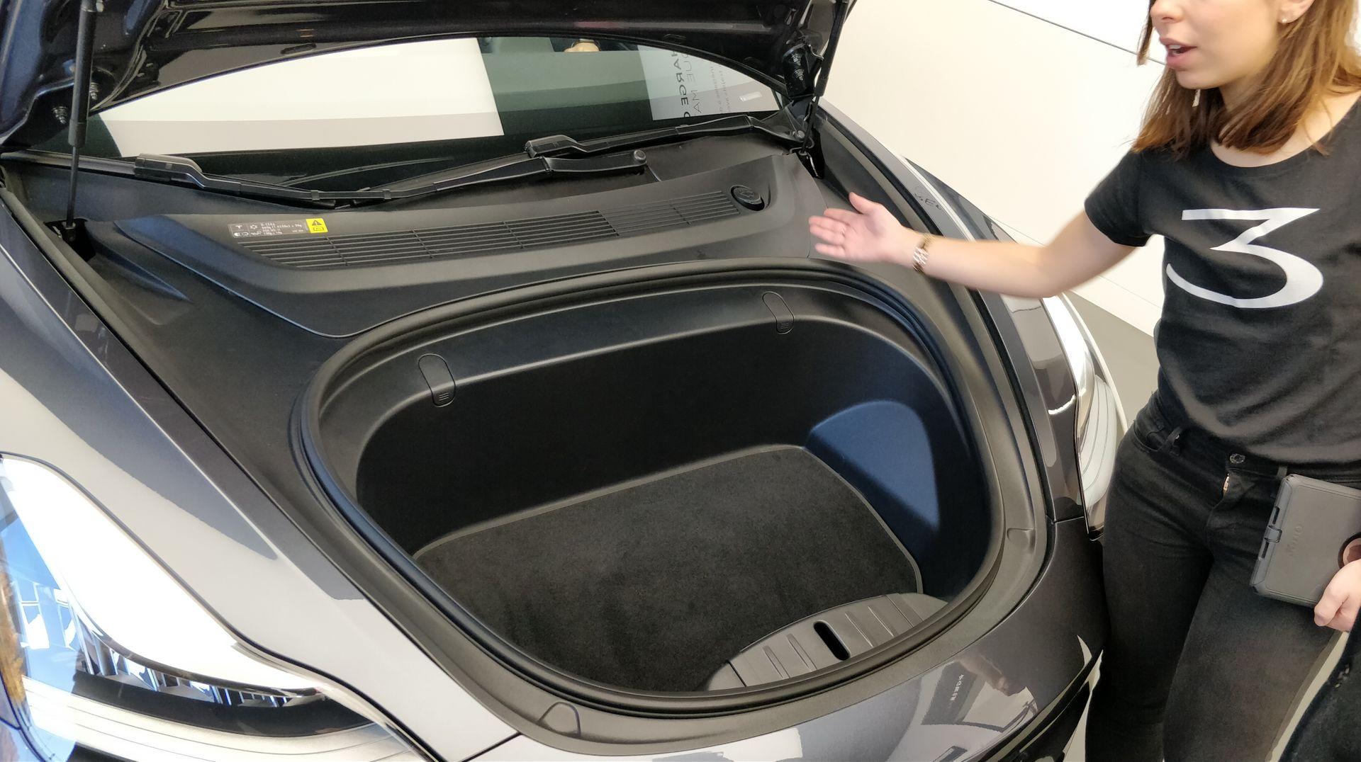 Rencontre en live de la Model 3 en France